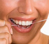 cosmetic_dentistry_flossing1